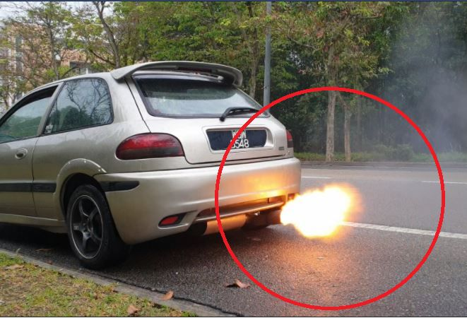 Picture of Rev Limiter Flame Throwing