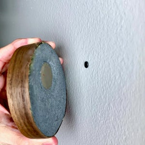 MOUNT THE MAGNETIC CEMENT KEY HOLDER