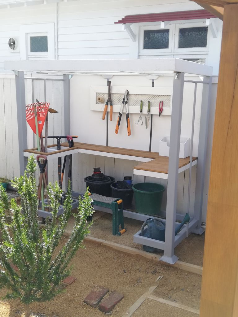 Picture of Potting Bench (upcycle)