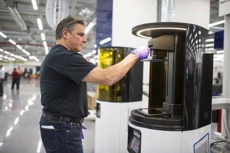 Carbon 3D - High Volume SLA 3D Printing