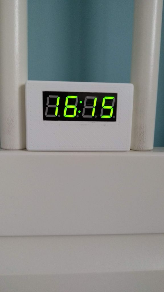 Picture of Simple and Fast Internet Clock - Adjusted to Timezone and Daylight Saving Time
