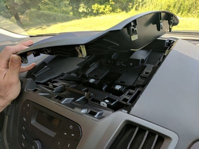 Unclip the TOP Dash Panel