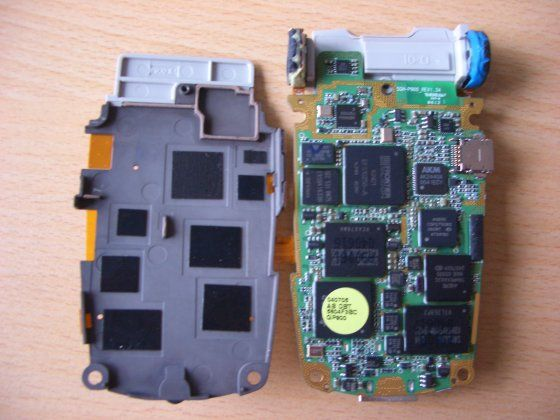 Picture of Disassemble the device