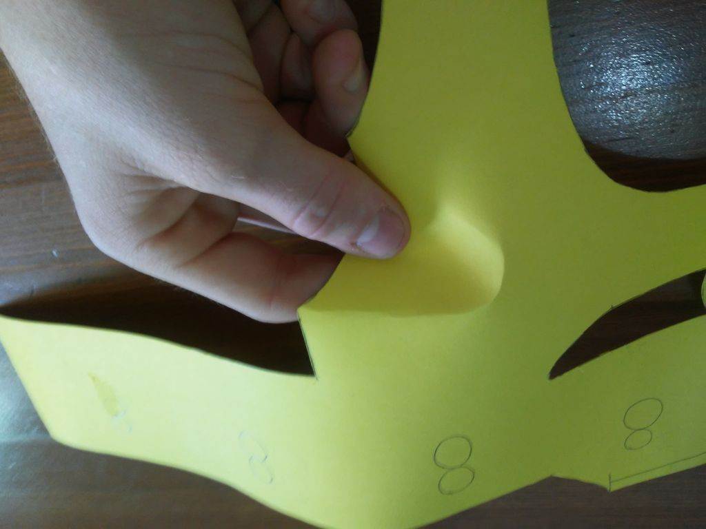 Picture of Making the Creases on the Cheeks