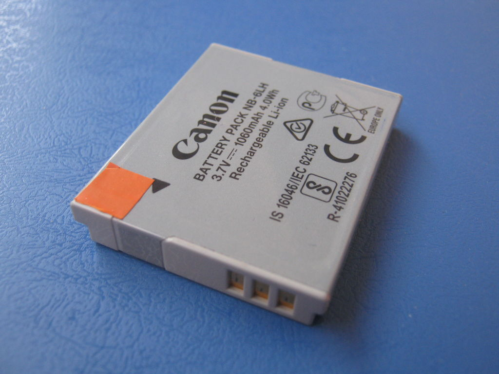 Picture of Canon CB-2LYE Replacement NB-6L USB Battery Charger
