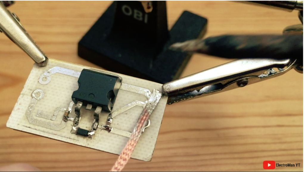 Picture of SOLDERING THE SMD 1K RESISTOR