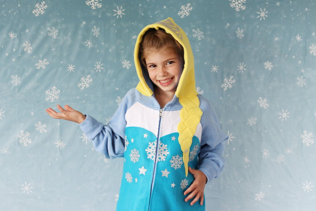 Picture of No-Sew Elsa Hoodie