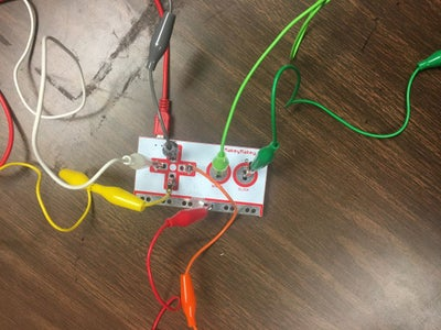 Makey Makey-power and Connect