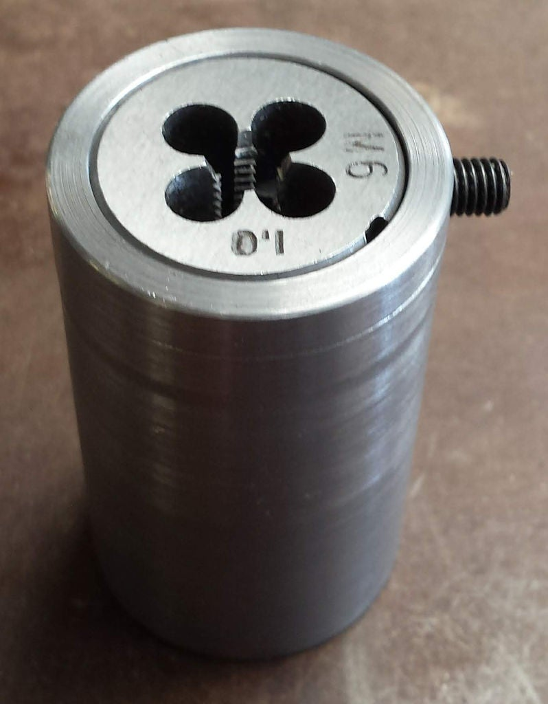 Picture of Cheap and Easy to Make Die Holder for the Mini Lathe