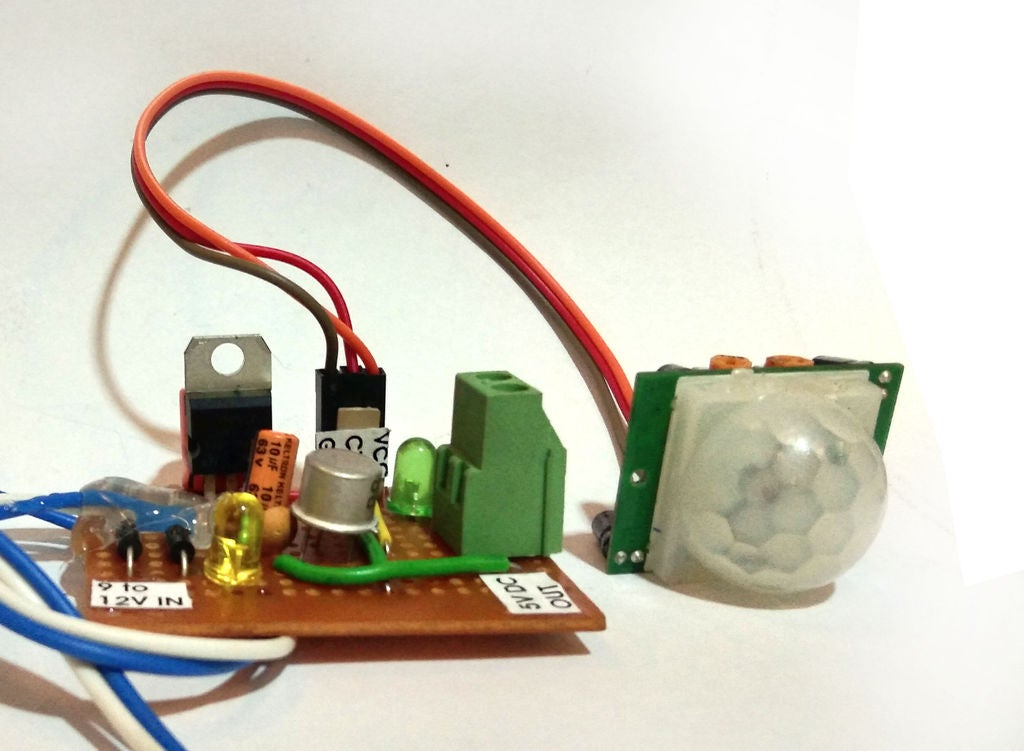 Picture of Connecting the PIR Sensor & Module