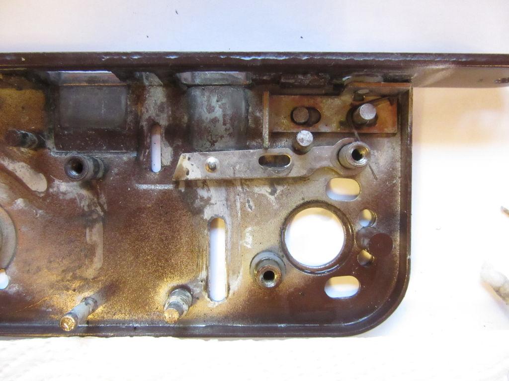 Picture of Disassembling a Boda 4235 Lockcase - Unlocking Mechanism