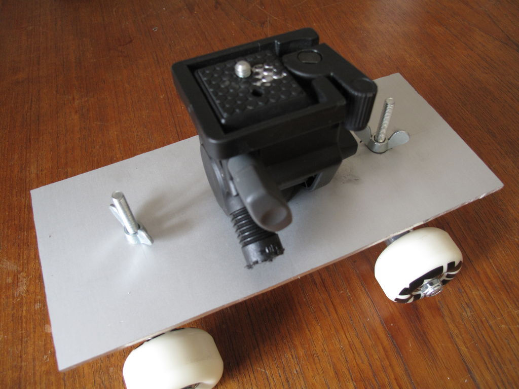 Picture of Skateboard Dolly for a DSLR