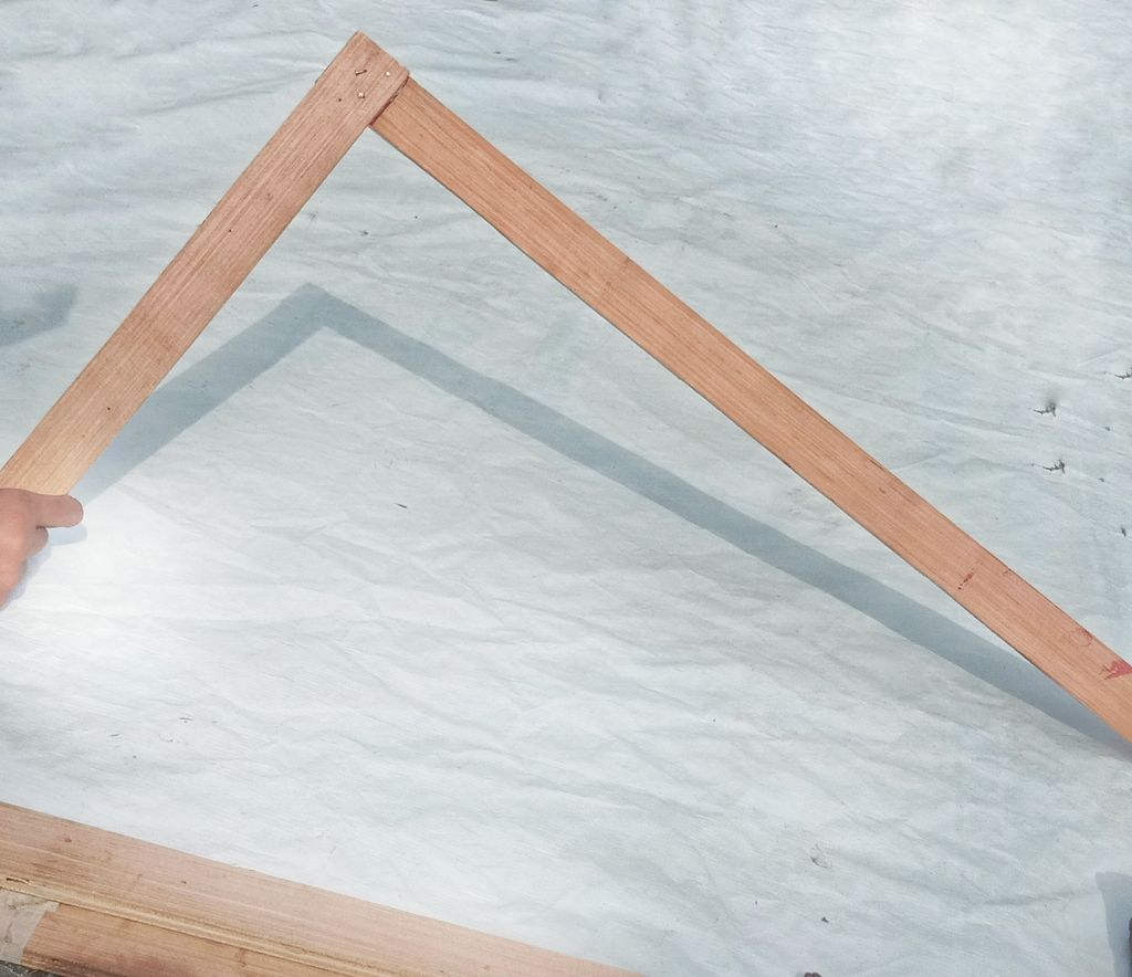 Picture of Making the Side Legs of Frame