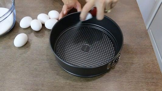 Spray Spring Form Pan