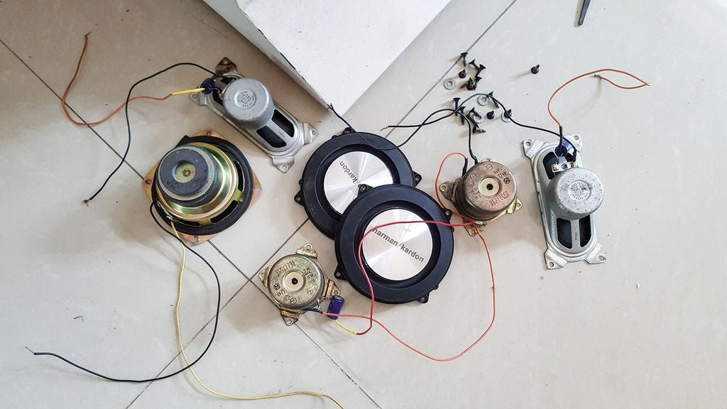 Picture of 2.3 Circuits and Speakers
