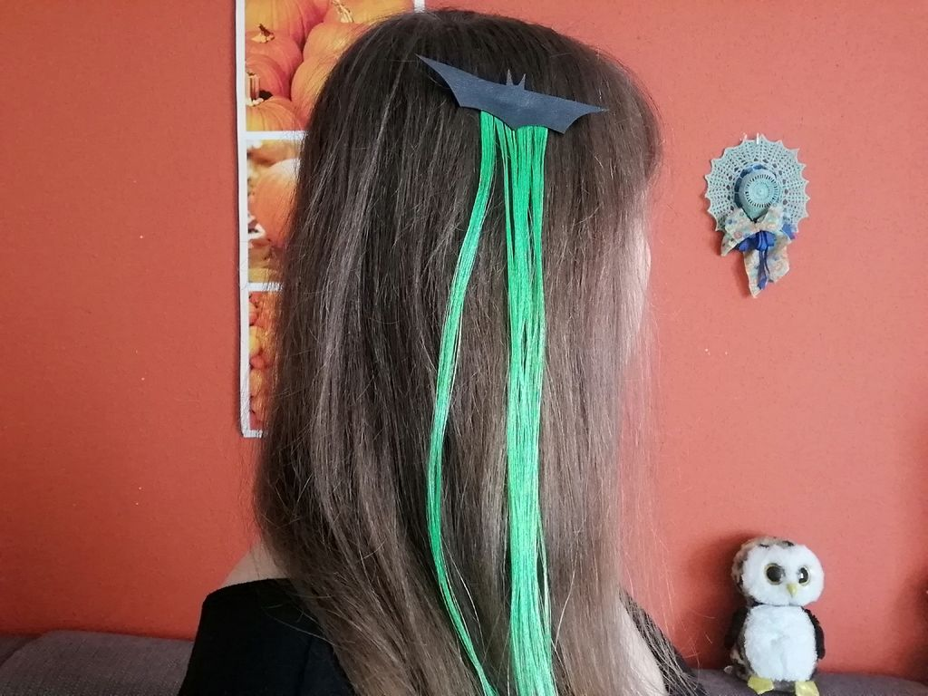 Picture of Making Hair Clips (Option 2)