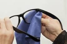 Picture of How to Make Eyeglass Cleaner