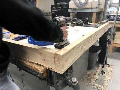Attaching the Top Board to the Frame
