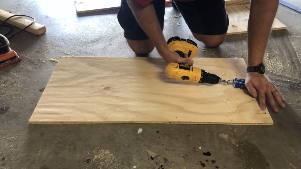 Picture of Cut a Plywood Piece for the Back
