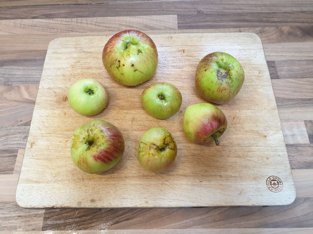 Picture of Peel and Chop the Apples