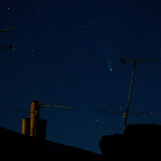 Photographing Comets From Your Backyard