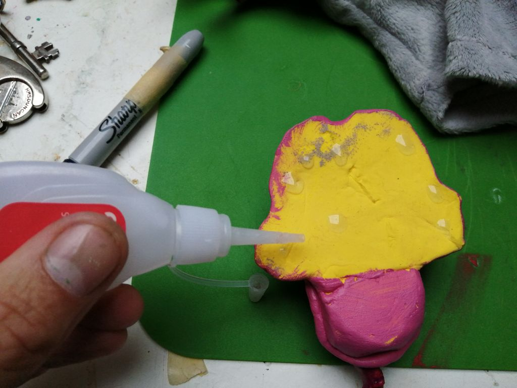 Picture of Gluing the Face On