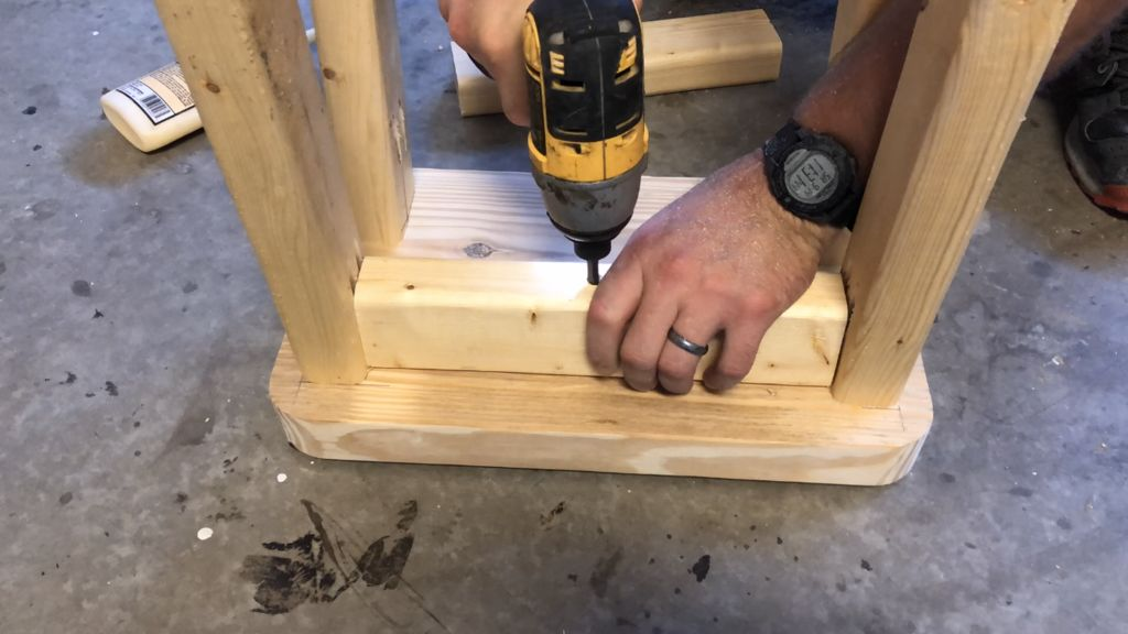 Picture of Attach the Bracing Between the Legs