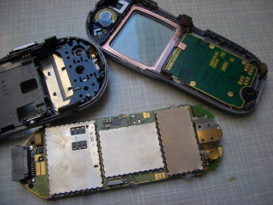Picture of Unassemble the Phone