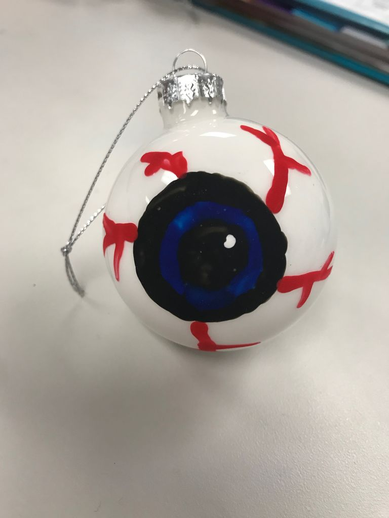 Picture of How to Make an Eyeball Ornament for Halloween