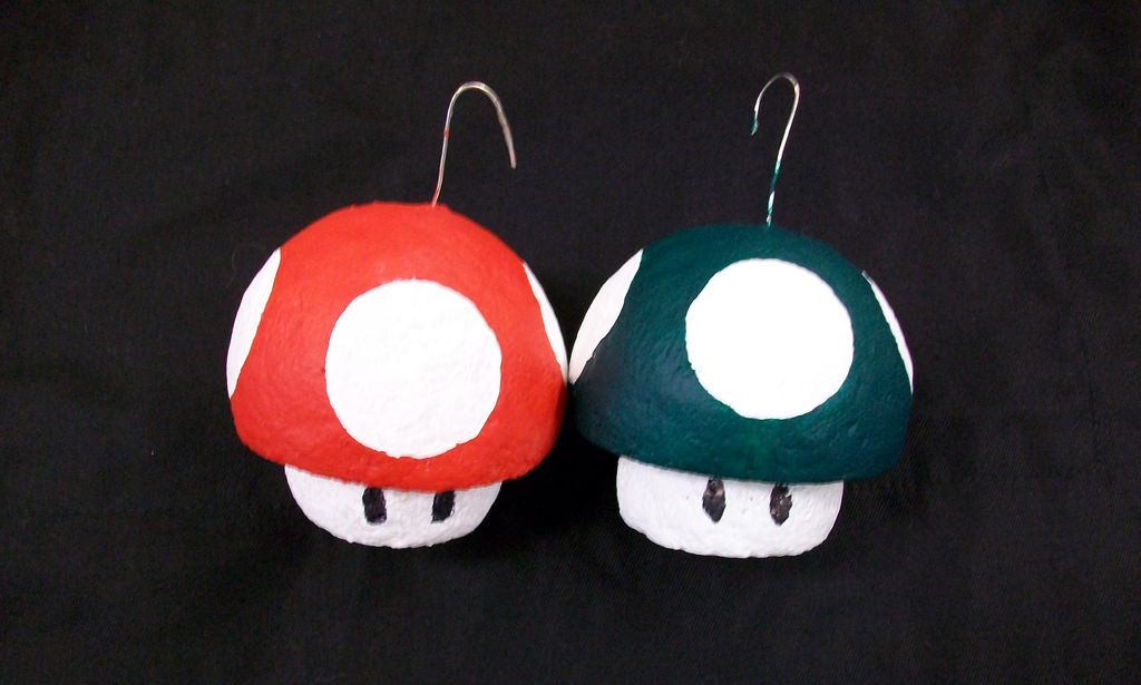 Picture of 1-up and Super Mushroom Ornaments