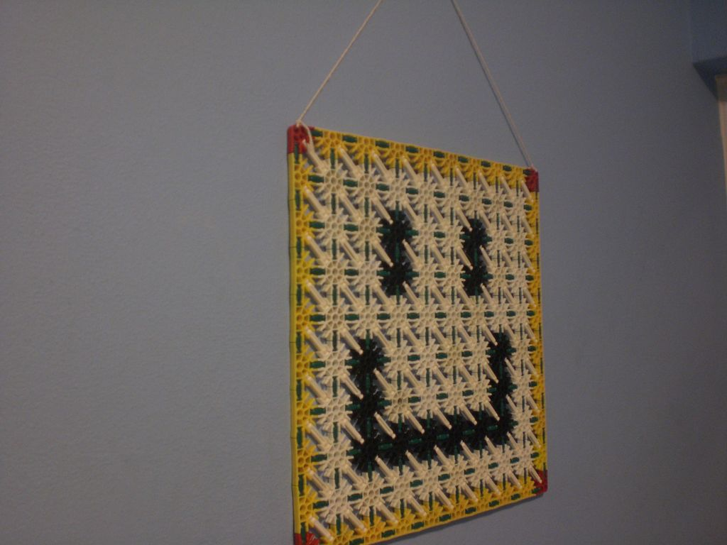 Picture of Knex Smiley Face Picture