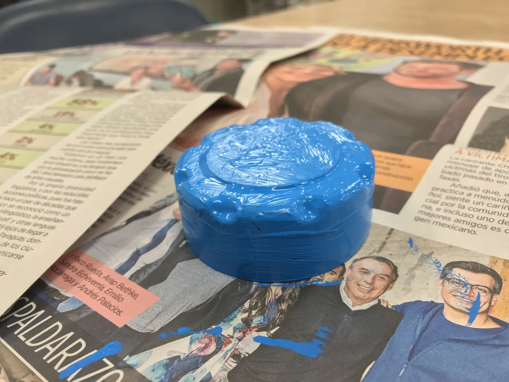 Picture of Paint Your Lid With Light Blue Paint