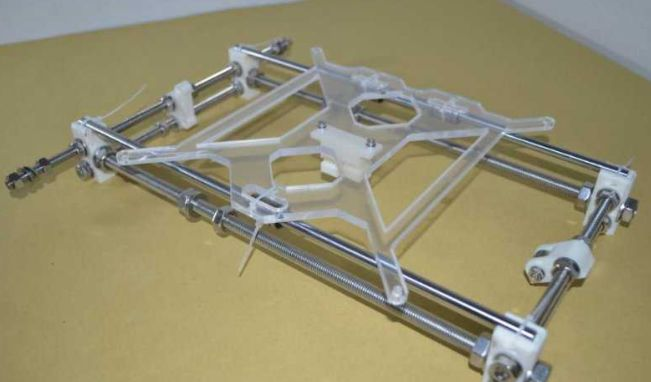 Picture of Secure the Bottom Plate to the Y-axis Slide Rail With a Cable Tie