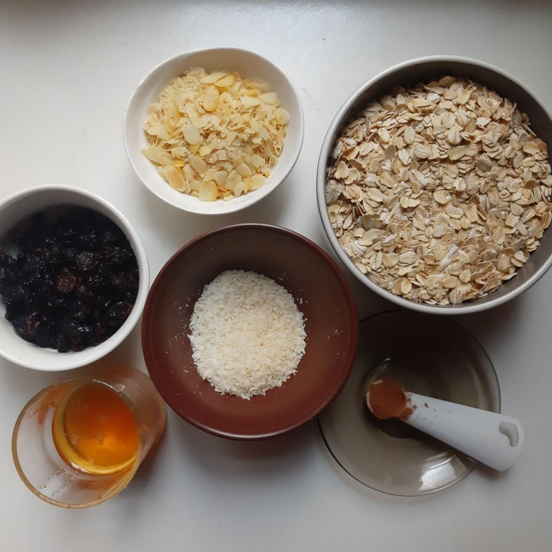 Picture of Meal Prep 2: Breakfast - Granola With Vegan Yogurt