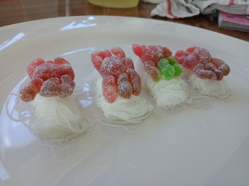 Picture of Add Gummy Spiders and Serve