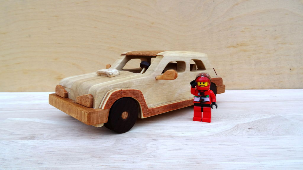 Picture of How to Make a Renault Turbo Car Out of Wood