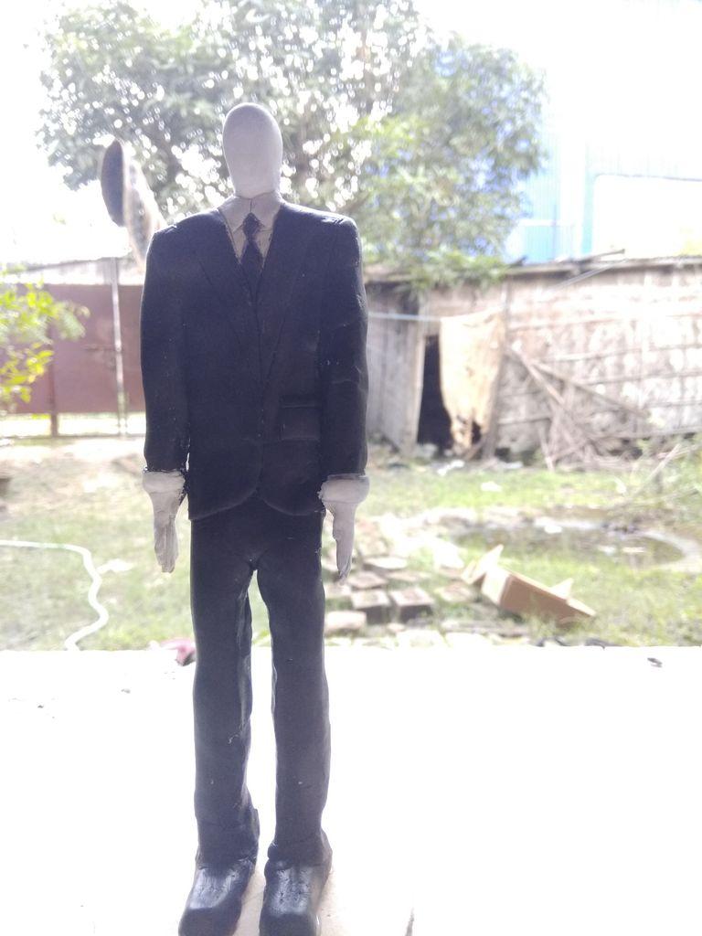 Picture of Slender Man's Handmade Sculpture