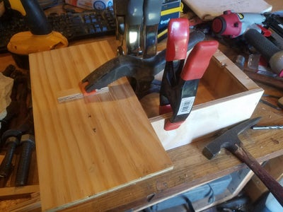 Glue the Last Cleat in As a Handle