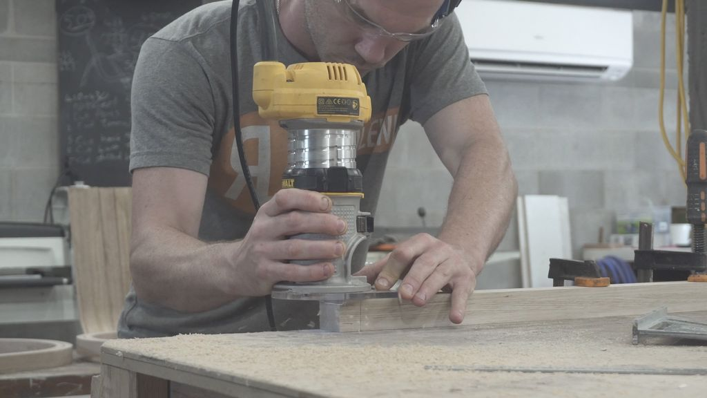 Picture of Mortise and Tenon the Legs