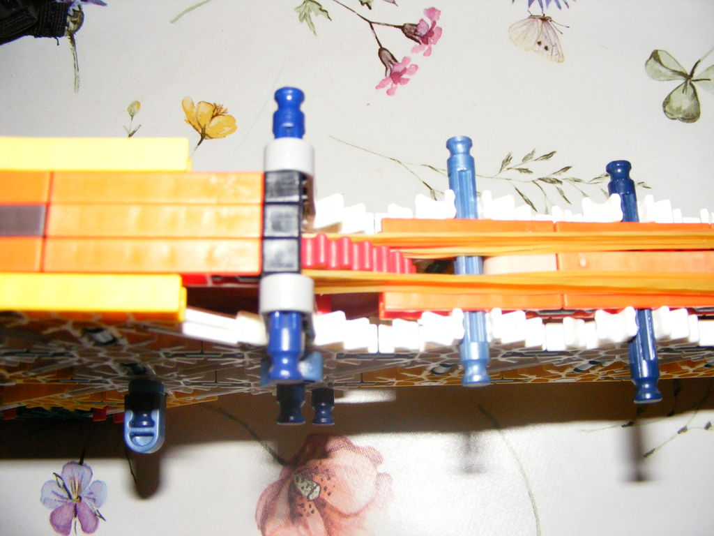 Picture of Knex Semi Auto Rubberband Gun