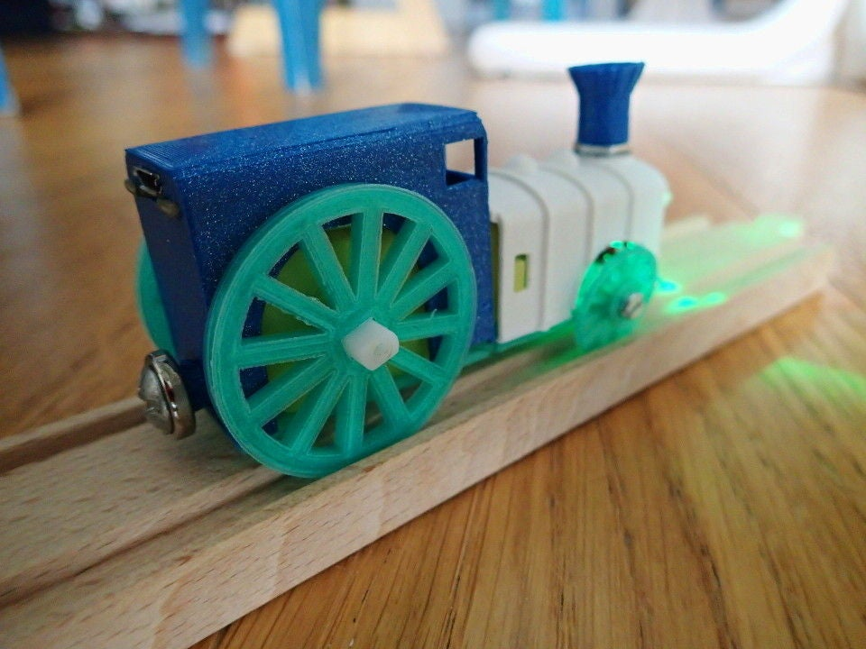 Picture of Electric Locomotive for Wooden Train Tracks (USB Rechargeable)