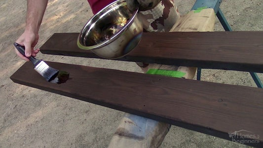 Applying the Linseed Oil