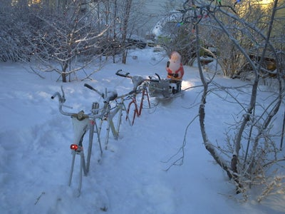 How to Recycle an Old Bicycle Into a Christmas Reindeer