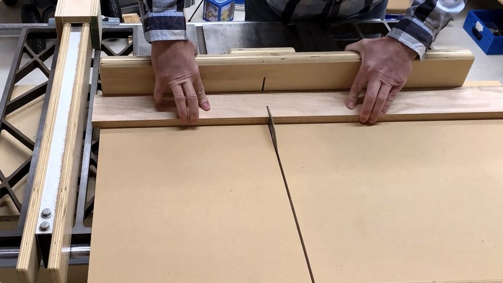 Picture of Cut the Long Frame Pieces