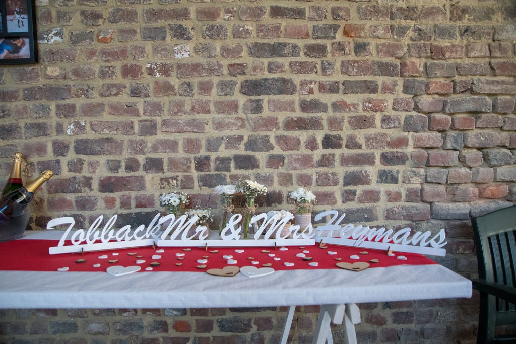 Picture of Lasercut Wedding Decorations (Arrows/Just Married Sign/Mrs & Mr/...)