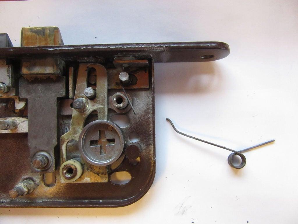 Picture of Disassembling a Boda 4235 Lockcase - Deadbolt