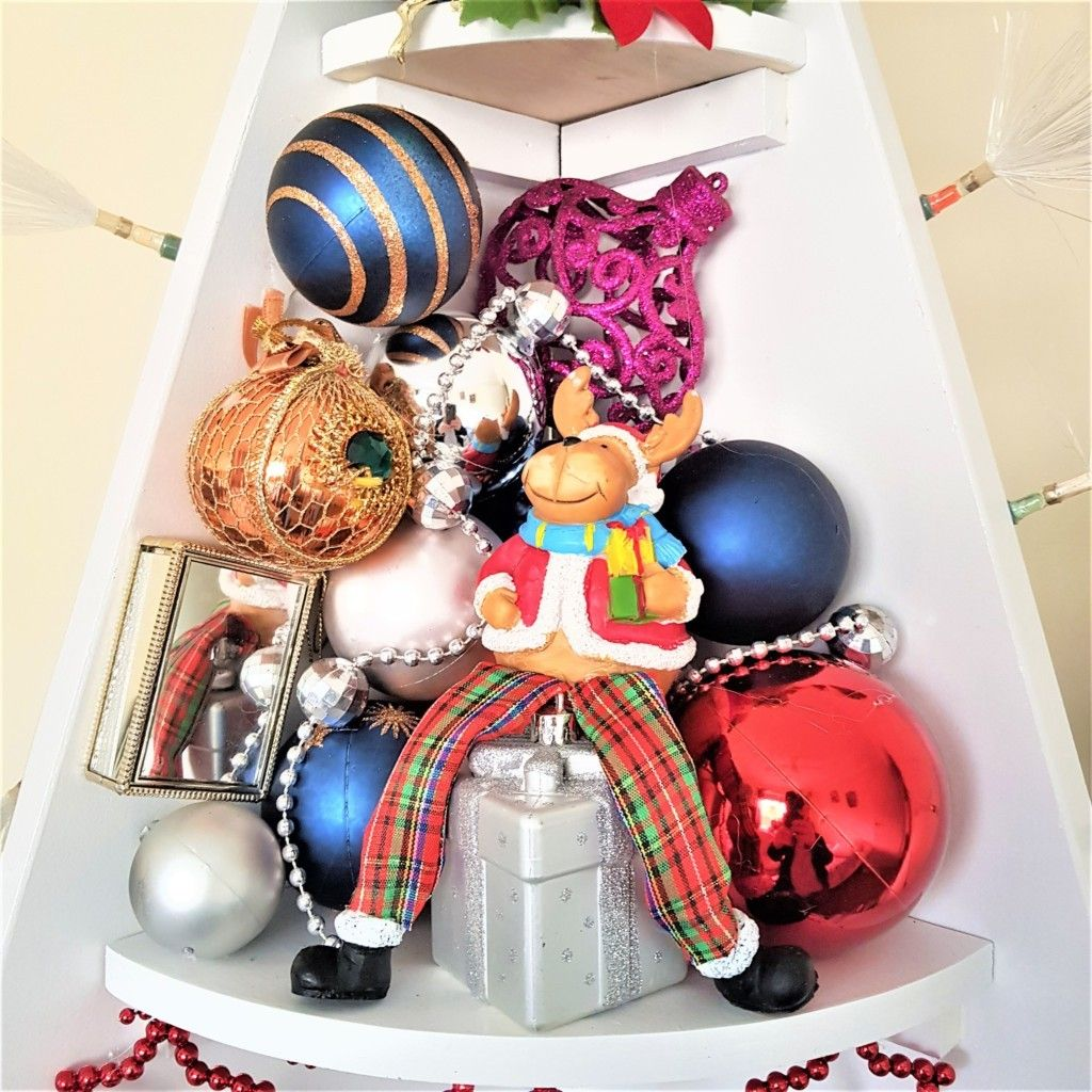 Picture of Decorate the Shelf