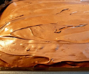 How to Bake a Delicious Chocolate Cake From Home!