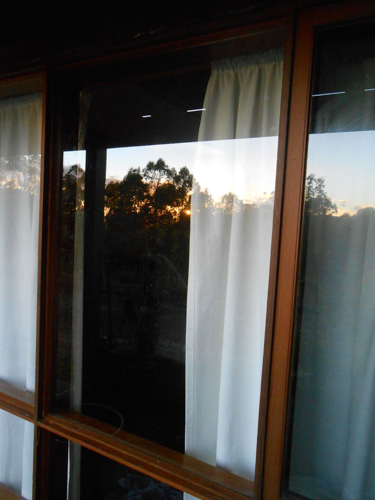 How to Replace the Glass in a Wood Frame Window.