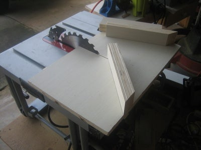 THE MITER GUIDES